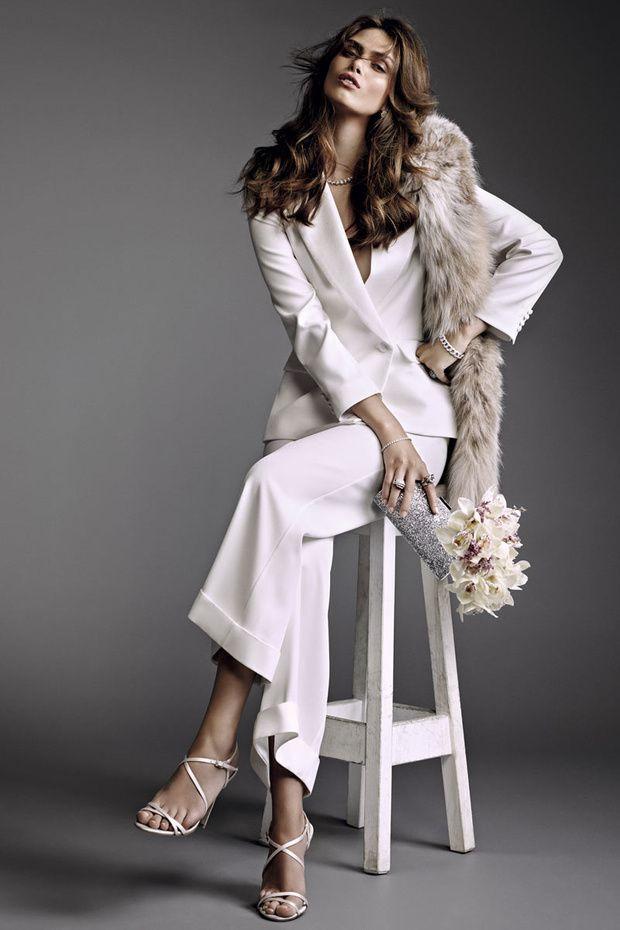 Espectacular traje de novia blanco con estola de pelo. Visto aquí ...