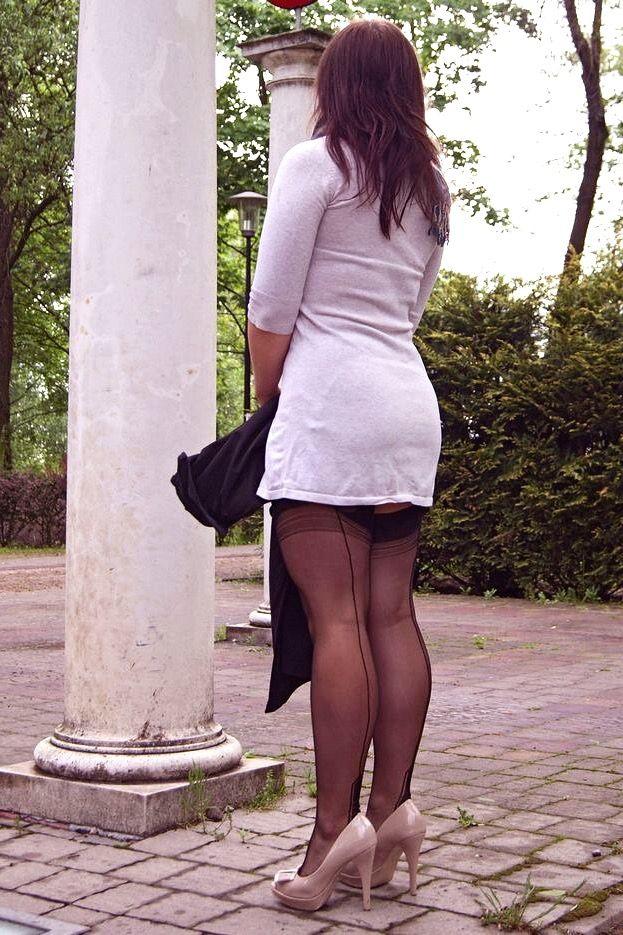 Garter, Bump, Mini Skirts, Suspenders, Stocking Tights, Sexy Legs, Candid,  Hosiery, High Heel