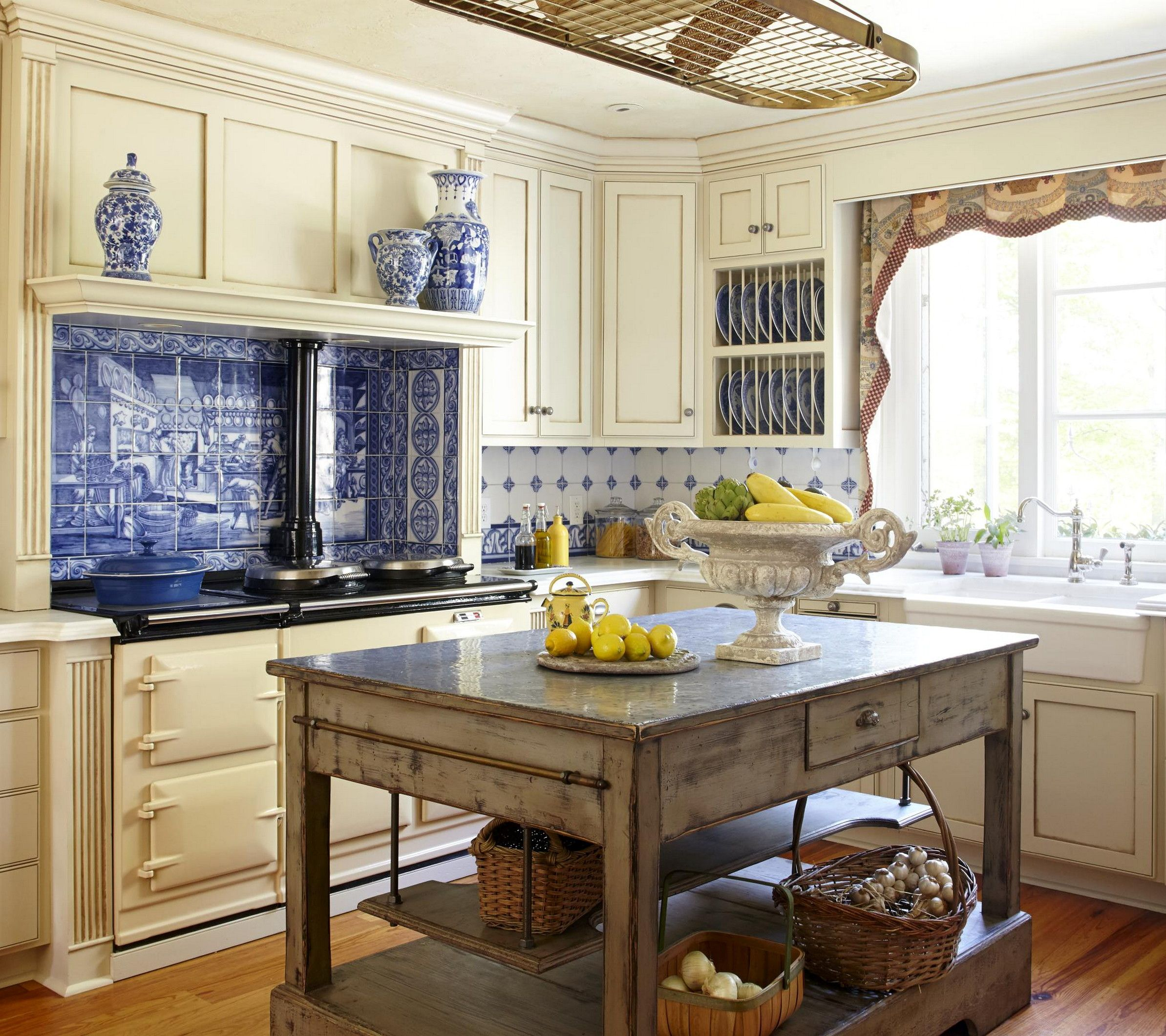 45 best french country kitchens design ideas remodel on a budget french country kitchens on kitchen interior french country id=44895
