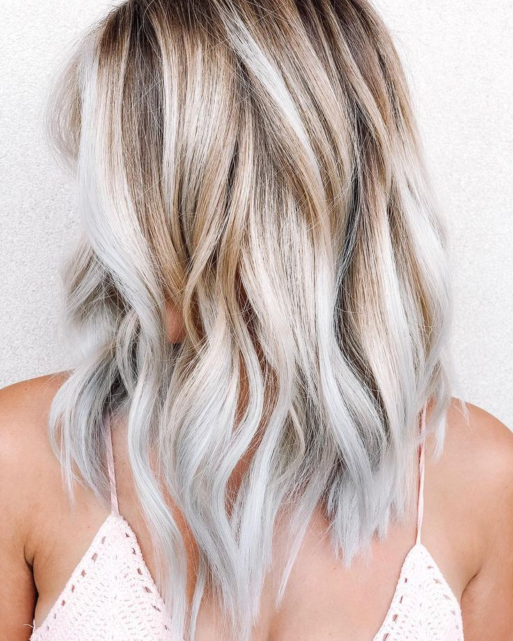 Retenez bien ce nom : le Toasted Coconut Hair, c'est LA couleur qui affole I... -