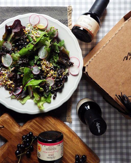 Quinoa Raz Salatka Z Czarna Quinoa Rzodkiewka I Najlepsza Oliwa