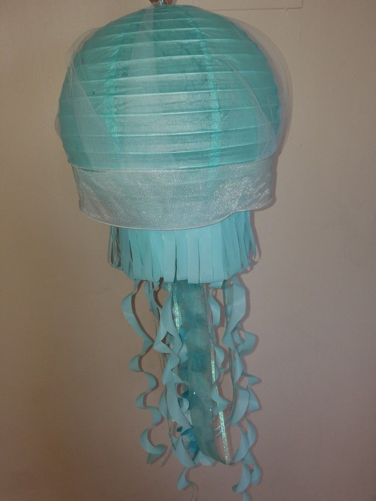 Paper Lantern Jellyfish Gorgeous Pintamara Jimenez On Paper Lantern Jellyfish  Pinterest  Paper Decorating Design