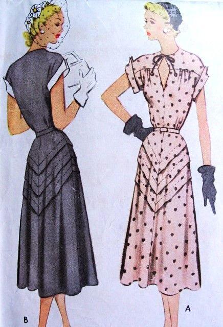 1950s Keyhole Neckline Dress
