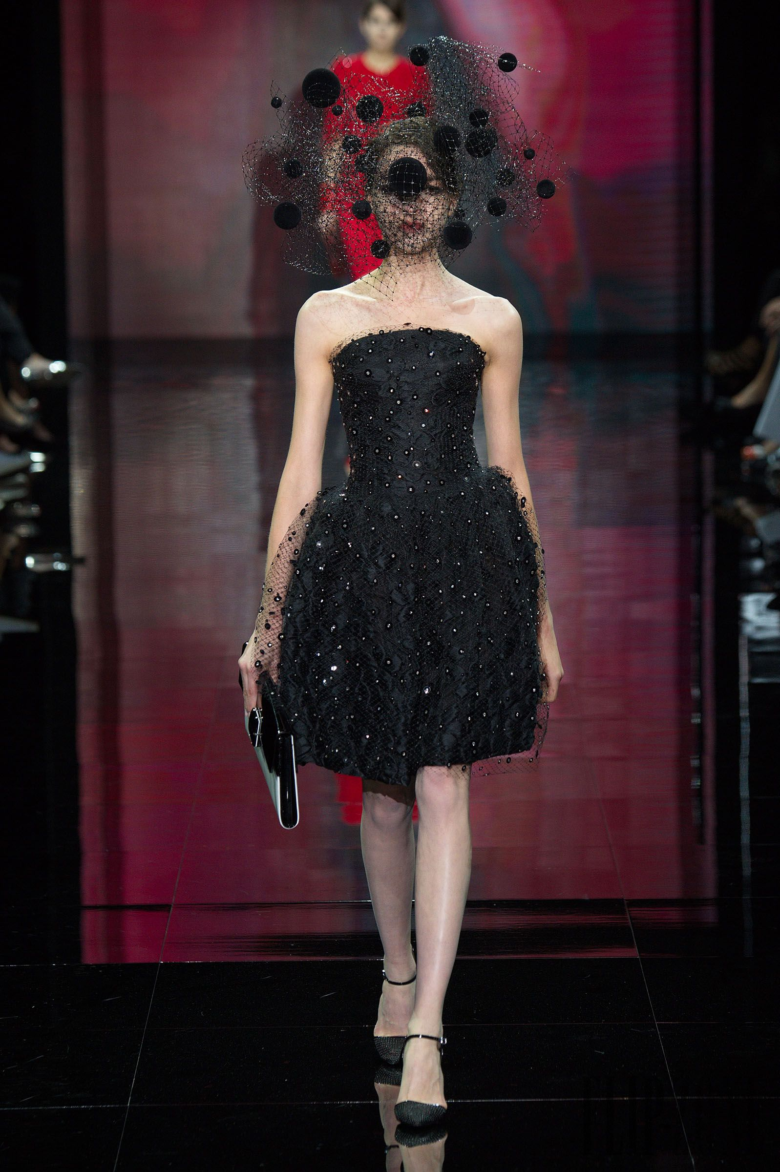 Armani Privé Fall-winter 2014-2015 - Couture - http://www.flip-zone.net/fashion/couture-1/fashion-houses/armani-prive-4802 - ©PixelFormula