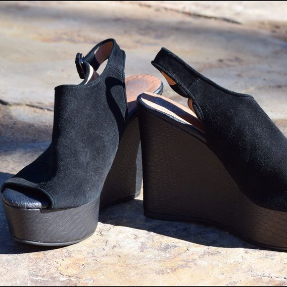 Wedge sandals, Strap heels, Wedges