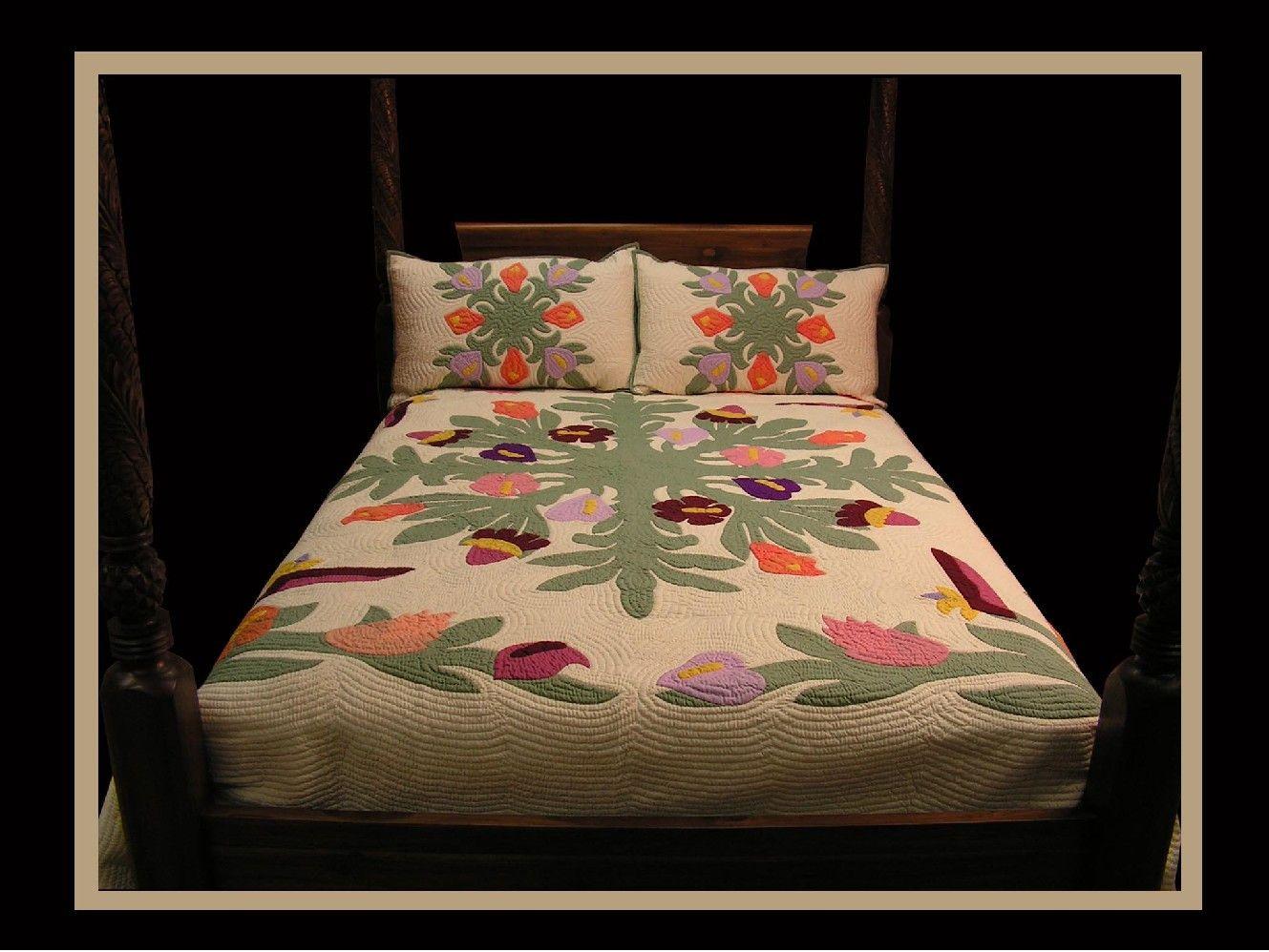 Hawaiian Quilt Multi Tropical Flowers   Hawaiian quilts