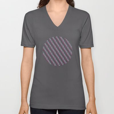 Small triangle pattern V-neck T-shirt by Miracle - $24.00