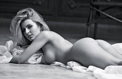 Vivien Sasdi Nude Photos 12