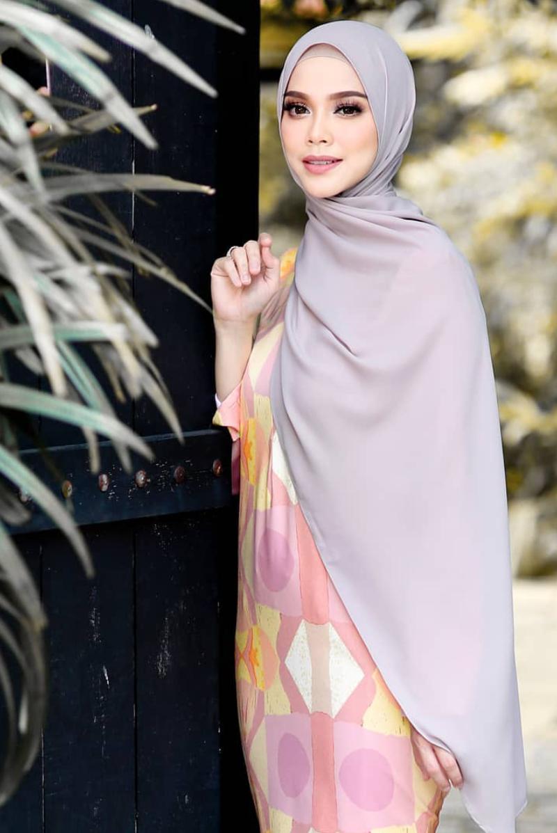 Pin by Farizal Eusry on Artist Malaysia Hijab Style  Fashion
