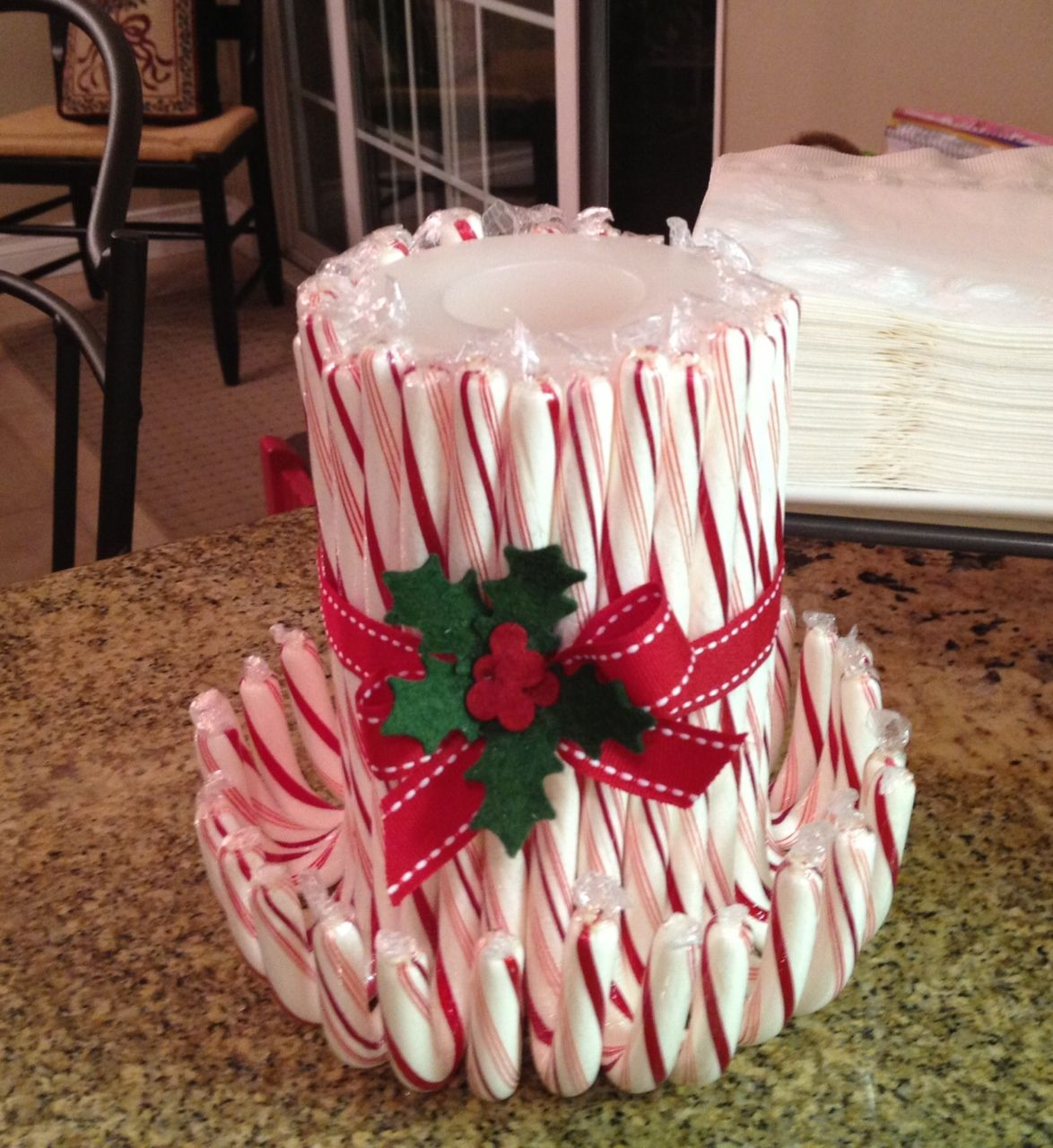 How To Decorate A Cane Easy Candy Cane Candle Take A Candle And Wrap Any Of Your