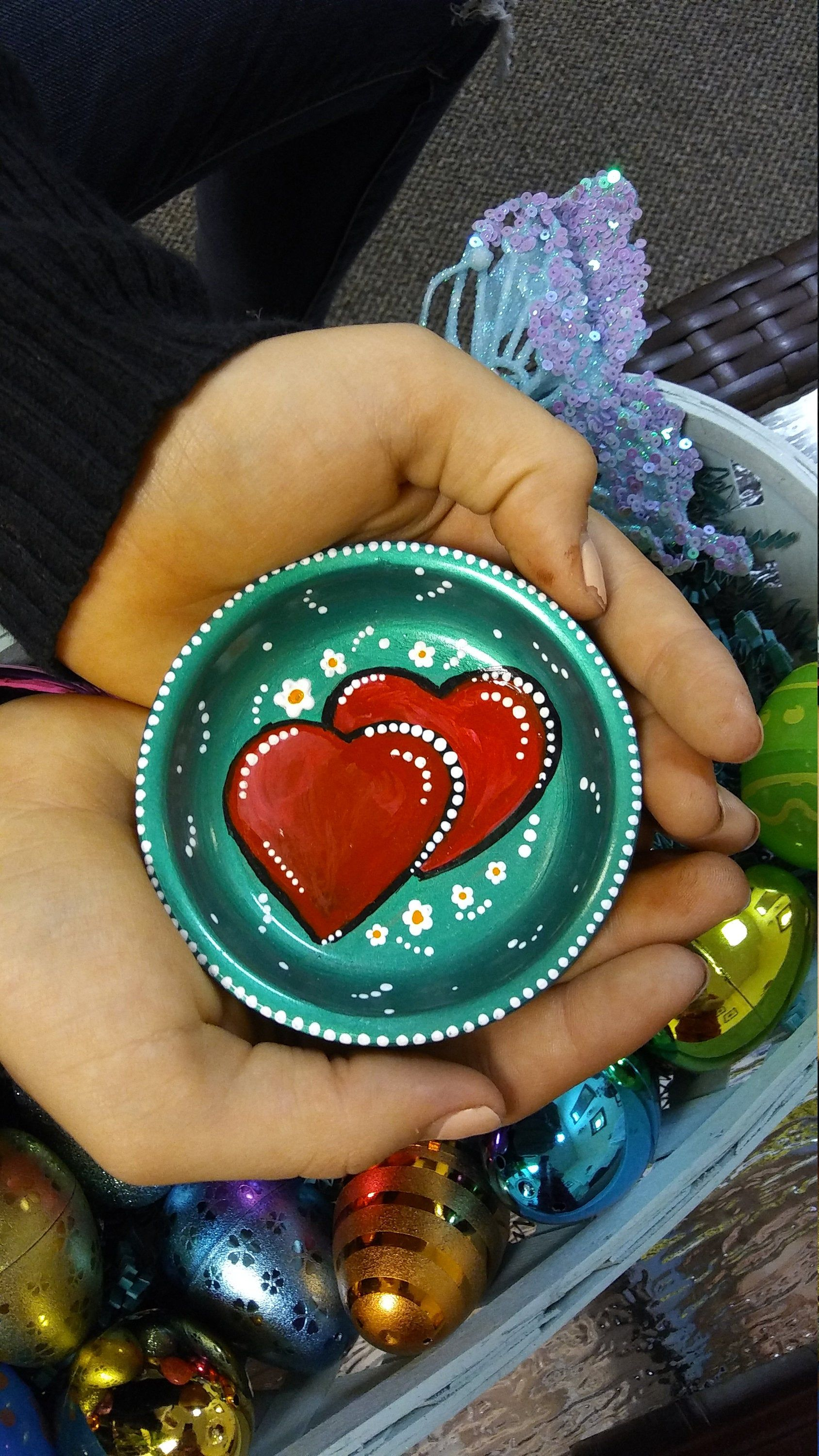 Jewelry catcher ring holder hearts of red and green and white stippling knick knack holder collectors plate OOAK #knickknack
