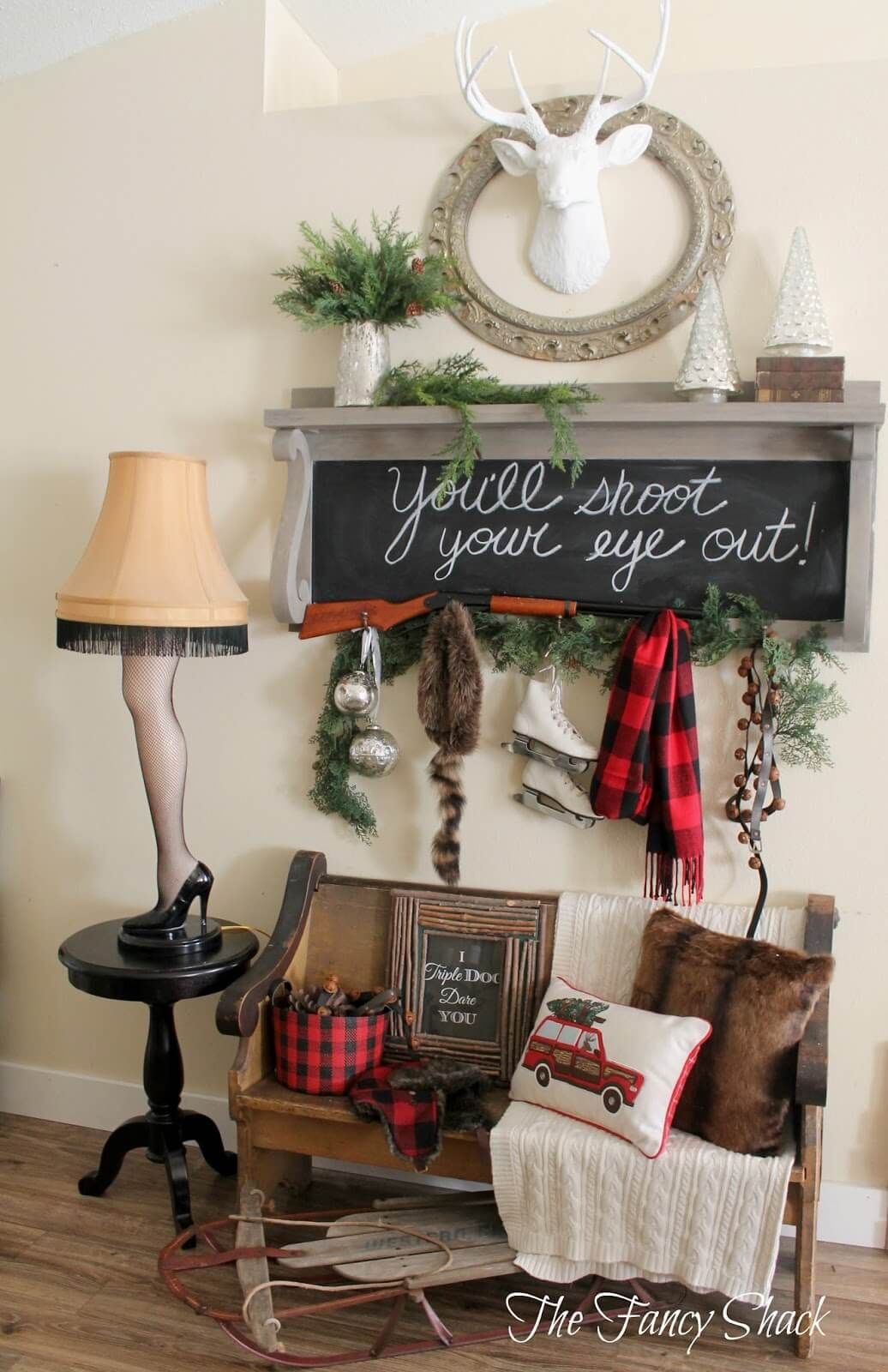 35 Festive Christmas Wall Decor Ideas That Will Instantly Get You Into The Holiday Spirit