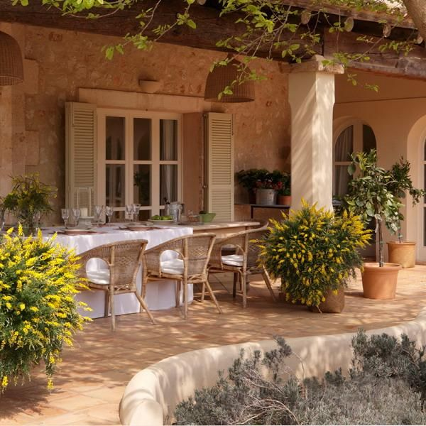 12 Inspirations For Home Improvement With Spanish Home: Classic Patio Ideas In Mediterranean Style