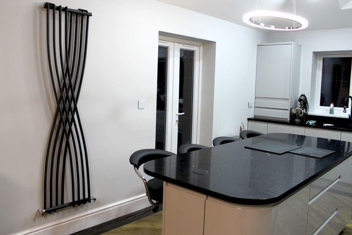 Best Connoisseur Remo Dove Grey Doors With Black Mirror Quartz 400 x 300