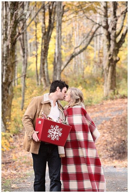 Christmas cards/Engagement Christmas session Pinterest