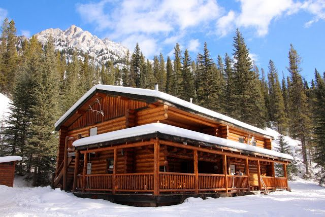 Sundance Lodge - Home in the Backcountry Banff National Park