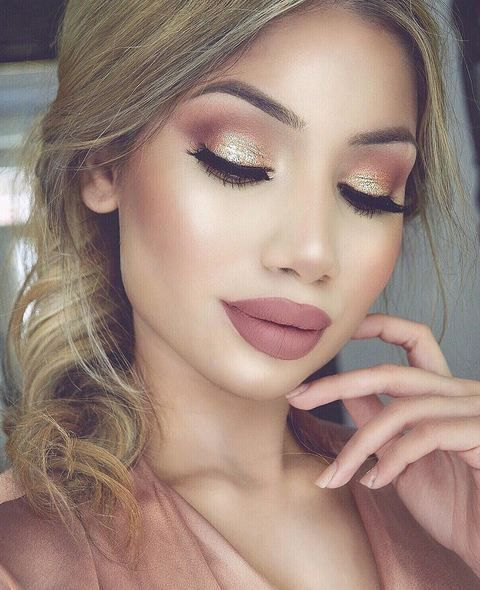 b38cf70a2 Take a look at the best gold wedding makeup in the photos below and get  ideas