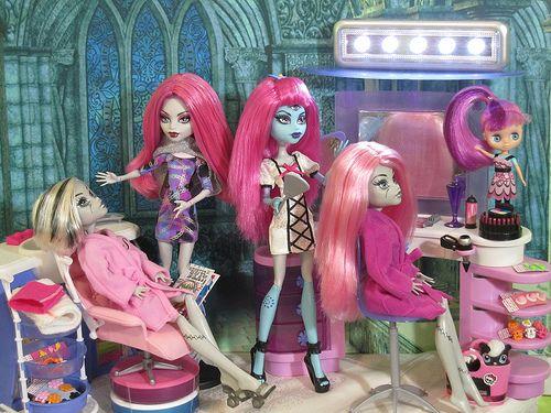 Monster High Pink Hair Salon