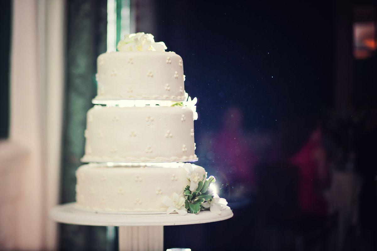 Photo by Ben. #WeddingPhotographersMinnesota #MinneapolisWeddingPhotographyPrices #WeddingPhotographerMinnesota