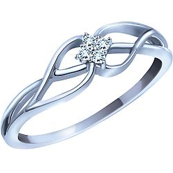 I love love love this promise ring, I think I am going to have to hint it out to my boyfriend!!! :)