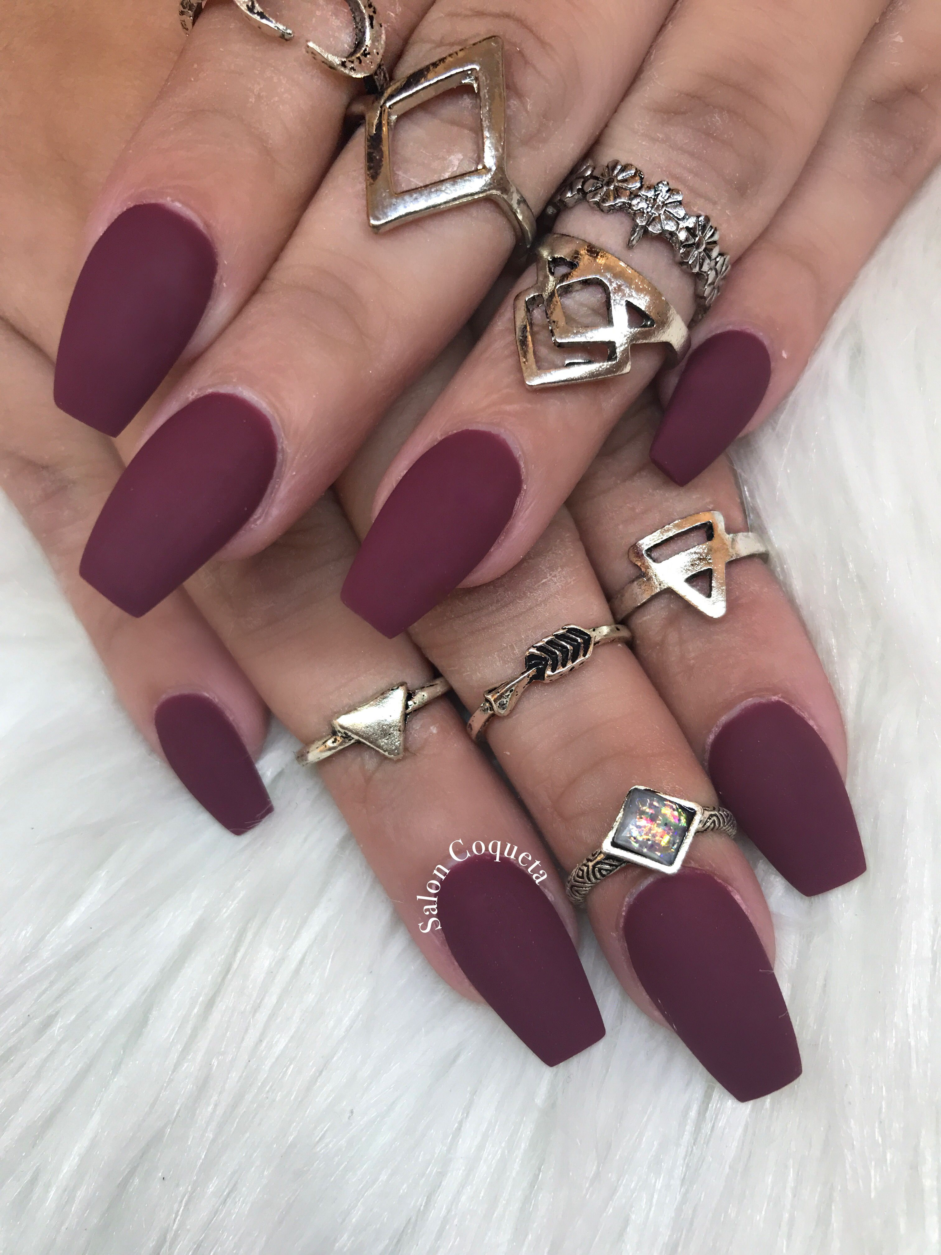 Burgundy nails coffin fallnail rednail automne ongles resine ...