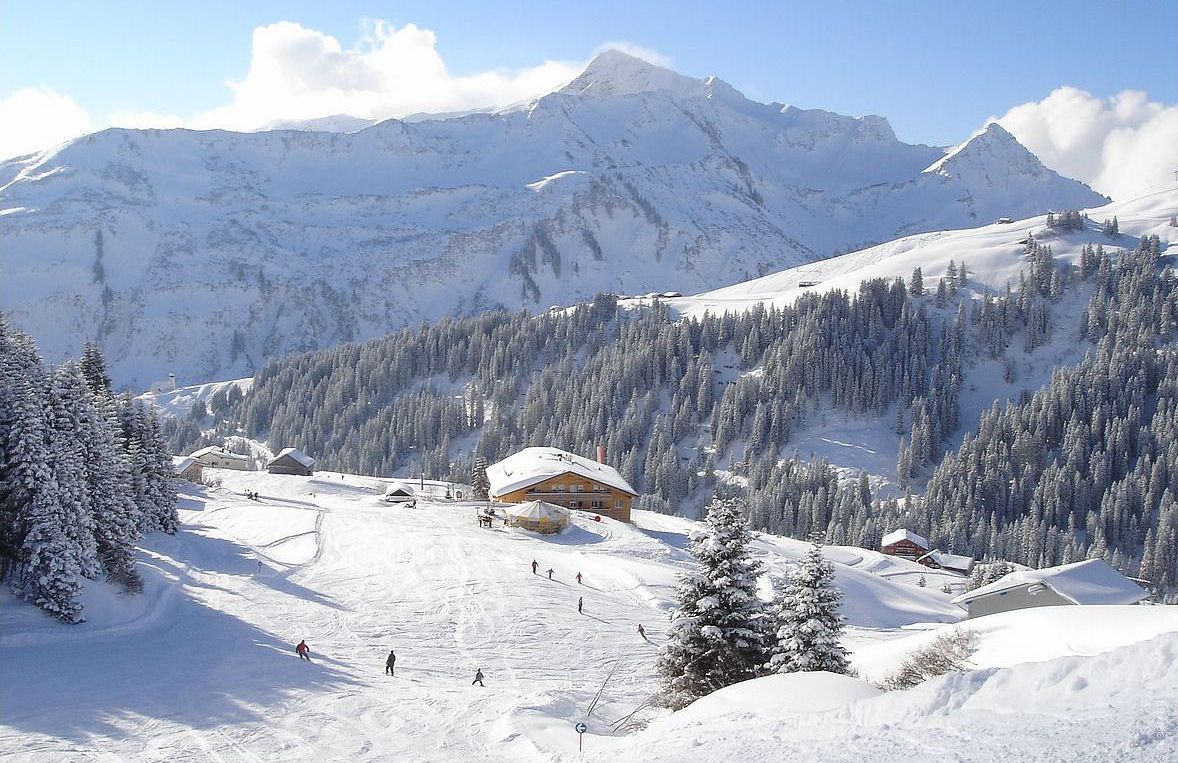 [Vorarlberger Skigebiet by Lars Tinner]