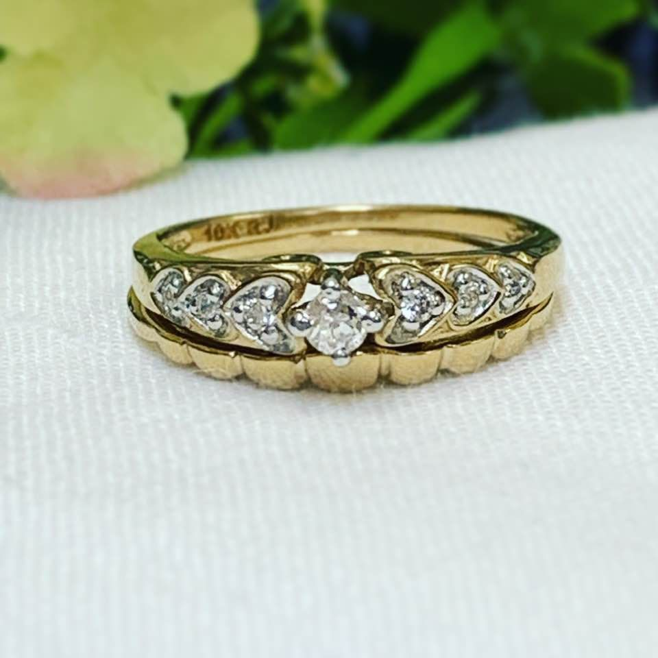 Minimalist Engagement Ring 2pc Set 10k Yellow Gold Hearts Cz Etsy In 2020 Cz Engagement Ring Set Minimalist Engagement Ring Cz Rings Engagement