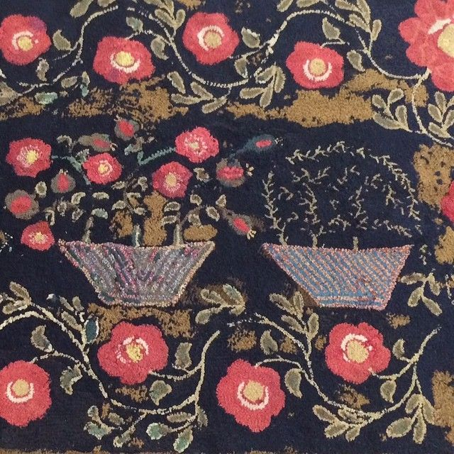 Part of the Hooked rug from the Bunny Mellon auction that i love but don't want to spend over $3000 to get. #Sotheby's #bunnymellon#auction#hookedrug #americanstyle #folkart #design #designersmind #decor #DecorateHappy #floral#antique