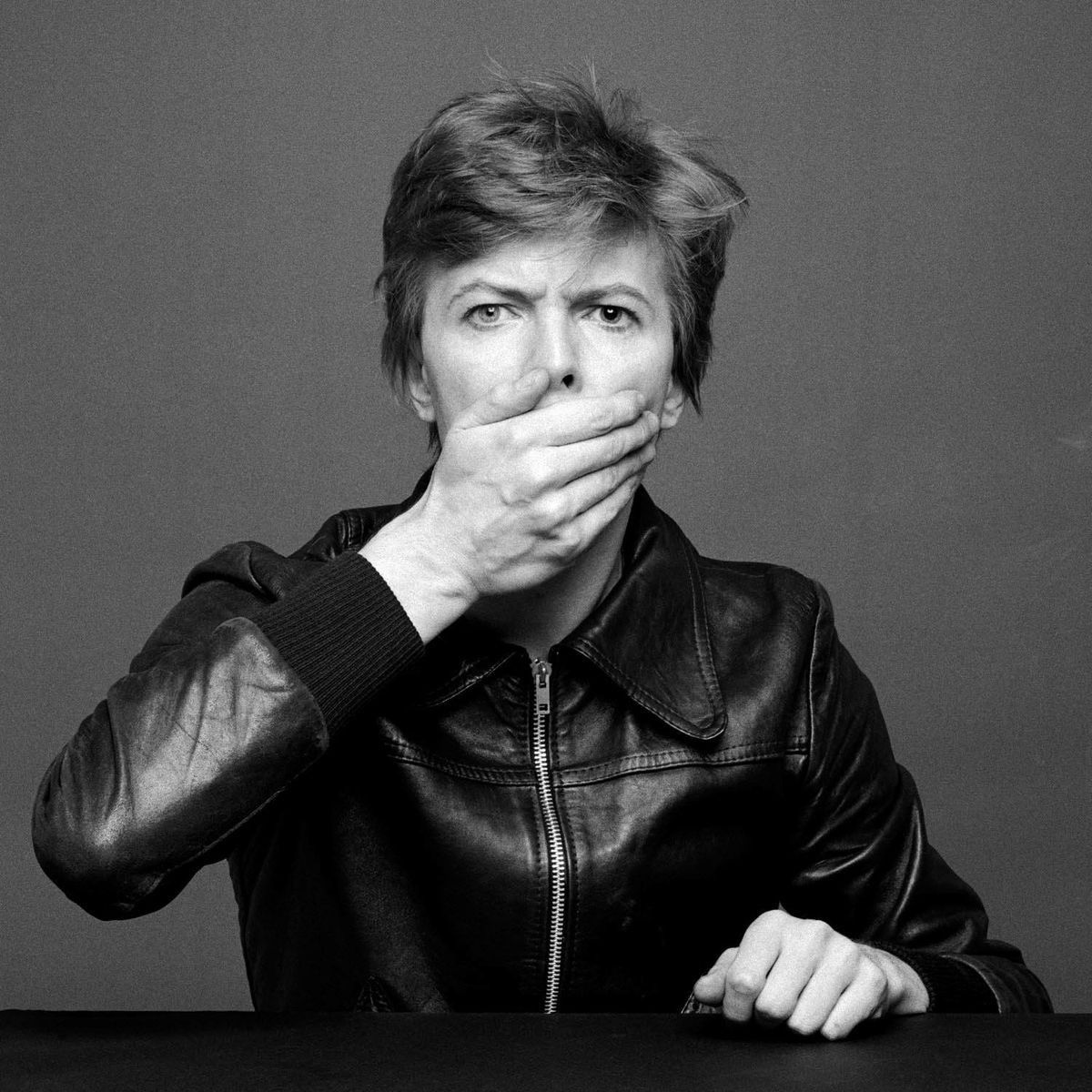 Pin By Caitlyn None Ya On David Bowie David Bowie David Bowie Starman Bowie