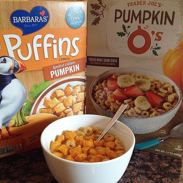 """#PostWorkout #Pumpkin #Cereal #Gains  @traderjoeslist Pumpkin O's and  @barbarasbakery Pumpkin Puffins swimming in a bowl of @denovo_nutrition Cinnamon Roll and Cashew Milk   Too many pumpkin posts?! #sorrynotsorry! Because #tistheseason of #pumpkineverything and I'm as #basic as they come"