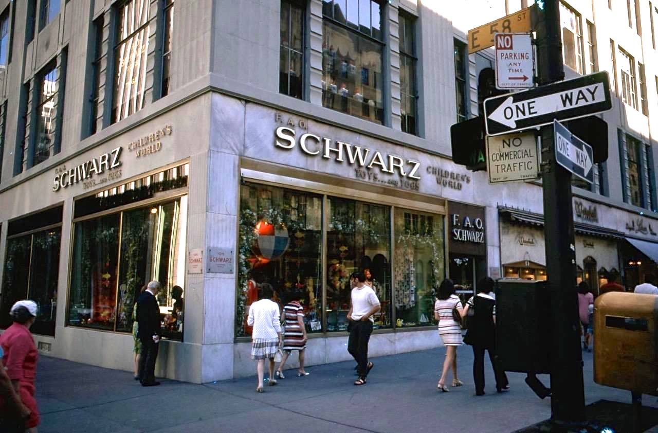 Fao Schwartz In 1970 Nyc Shopping New York Nyc