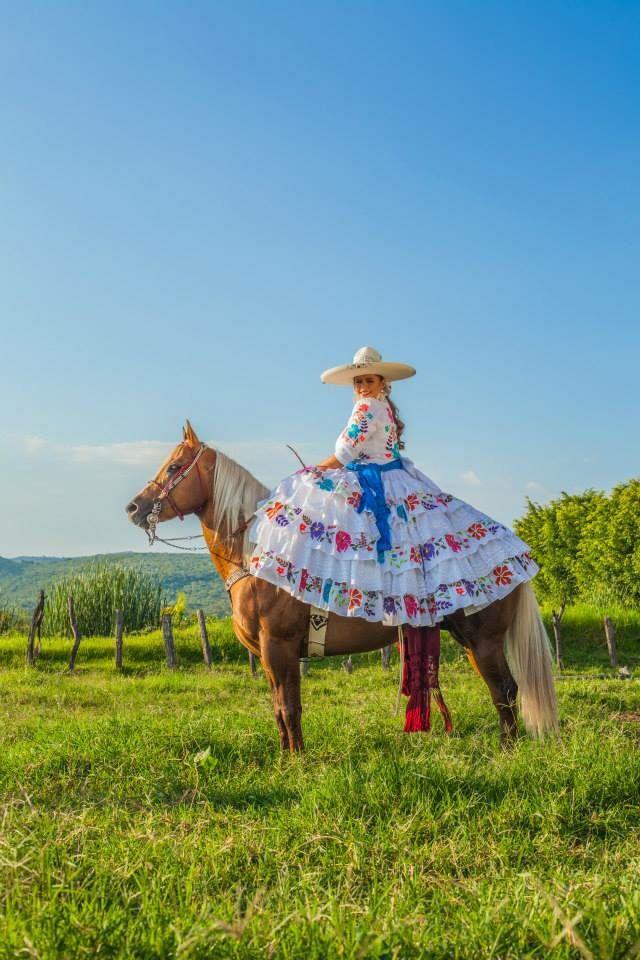Escaramuza | charreria en 2019 | Mexican quinceanera ...