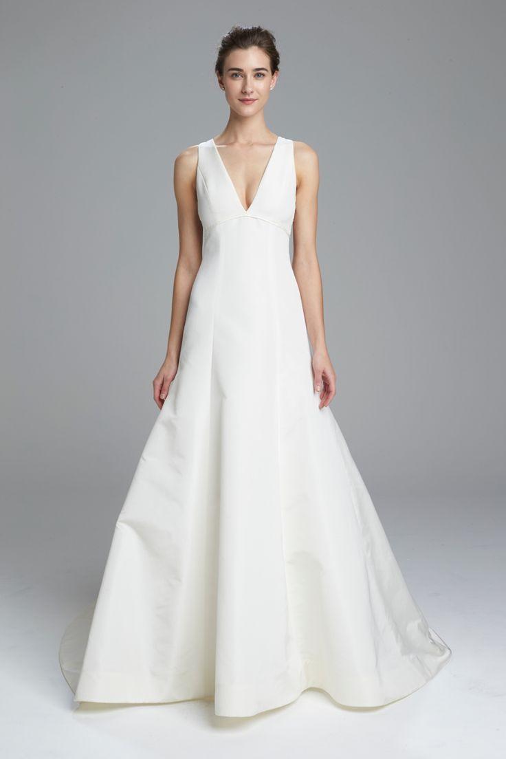 Inspiration Robe du Mariage   :    Description   Chic Amsale wedding dress  | Courtesy: Amsale    - #RobeduMariage https://madame.tn/mariage/robe-du-mariage/inspiration-robe-du-mariage-chic-amsale-wedding-dress-courtesy-amsale/