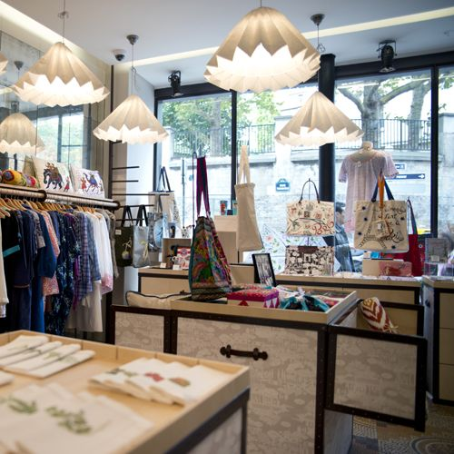 Paris fragonard in montmartre boutiques pinterest boutiques the o 3 - Fragonard boutique paris ...