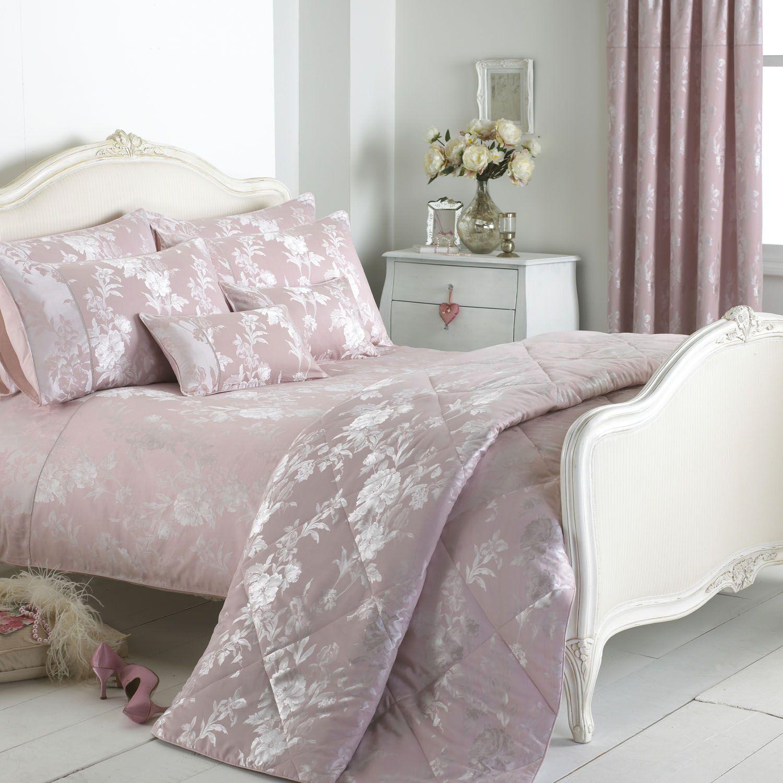 Paoletti Balmoral Bedding Set in Pink BeddingWorld
