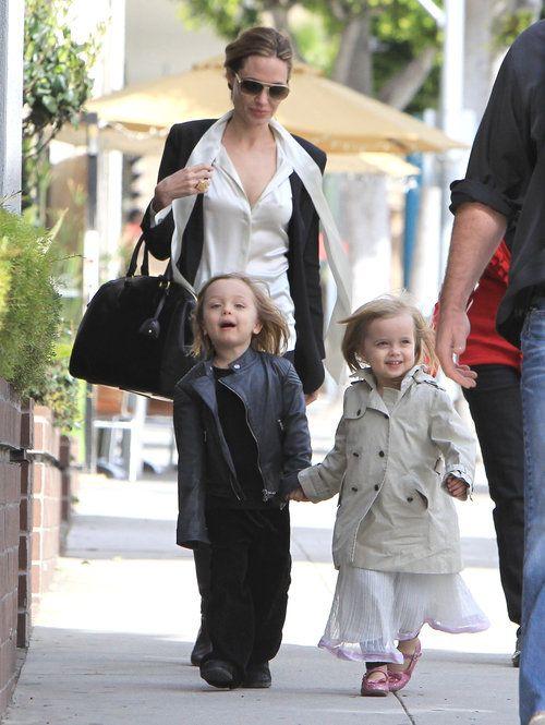 Happy 4th Birthday Knox Vivienne Jolie Pitt Angelina Jolie Fotos Brad Pitt Angelina Jolie