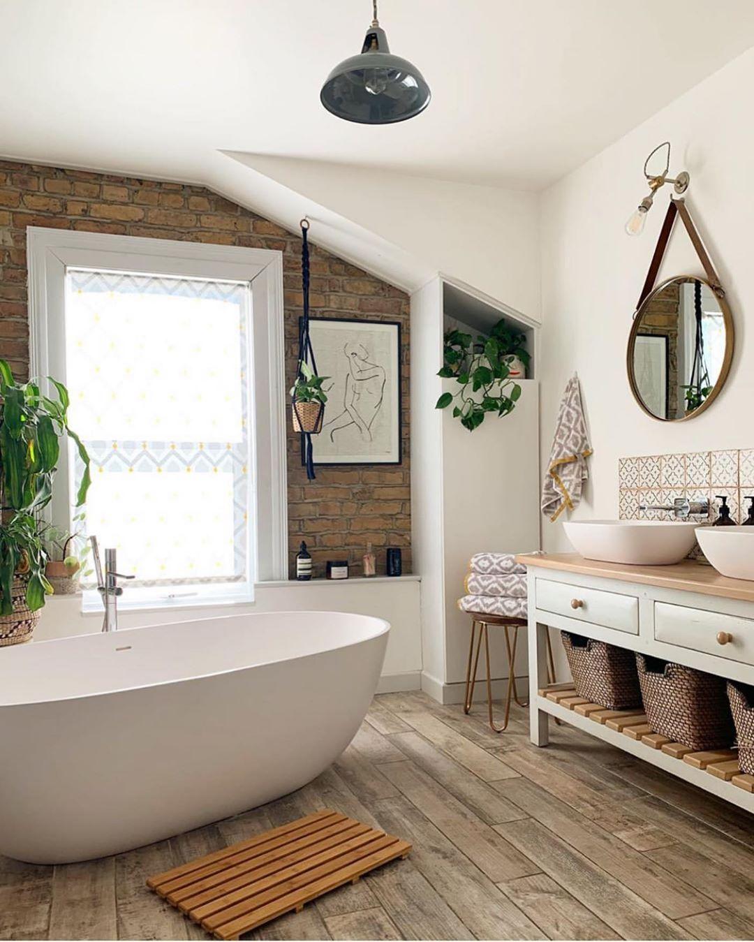 "Photo of Mid Century•Boho•Farmhouse on Instagram: ""Hello dream bathroom 😍 this is absolutely stunning! 👌🏼 (via @this_e17_life) ____________________ . . . . . . . . . . . #homeinspo…"""