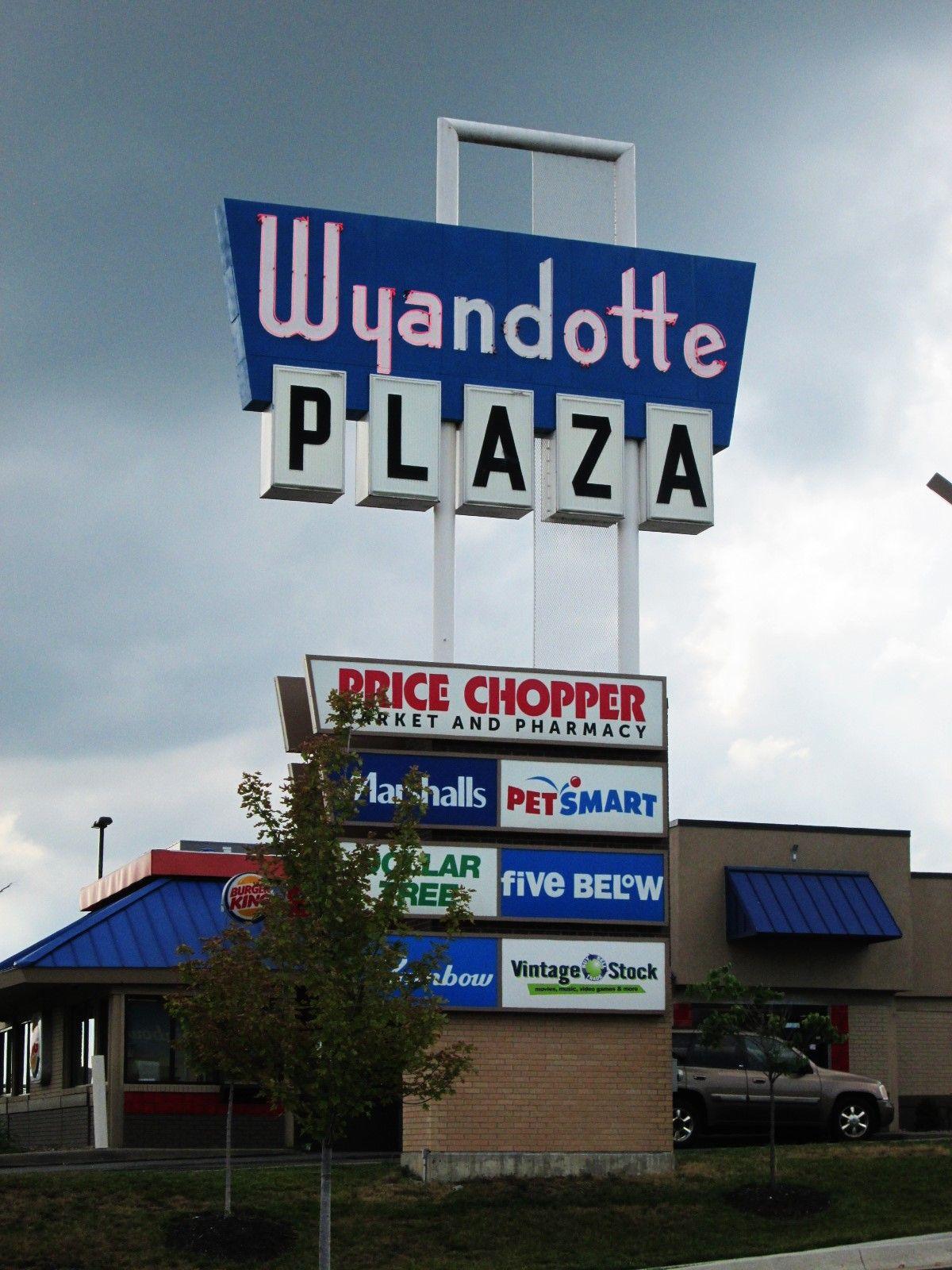 Wyandotte Plaza Instagram Photo Photo And Video Instagram