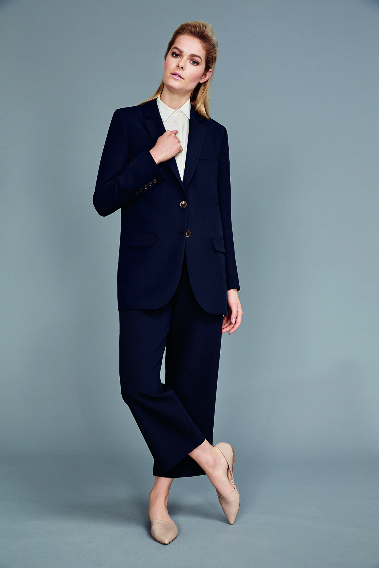 Horn Button Longline Blazer in Navy