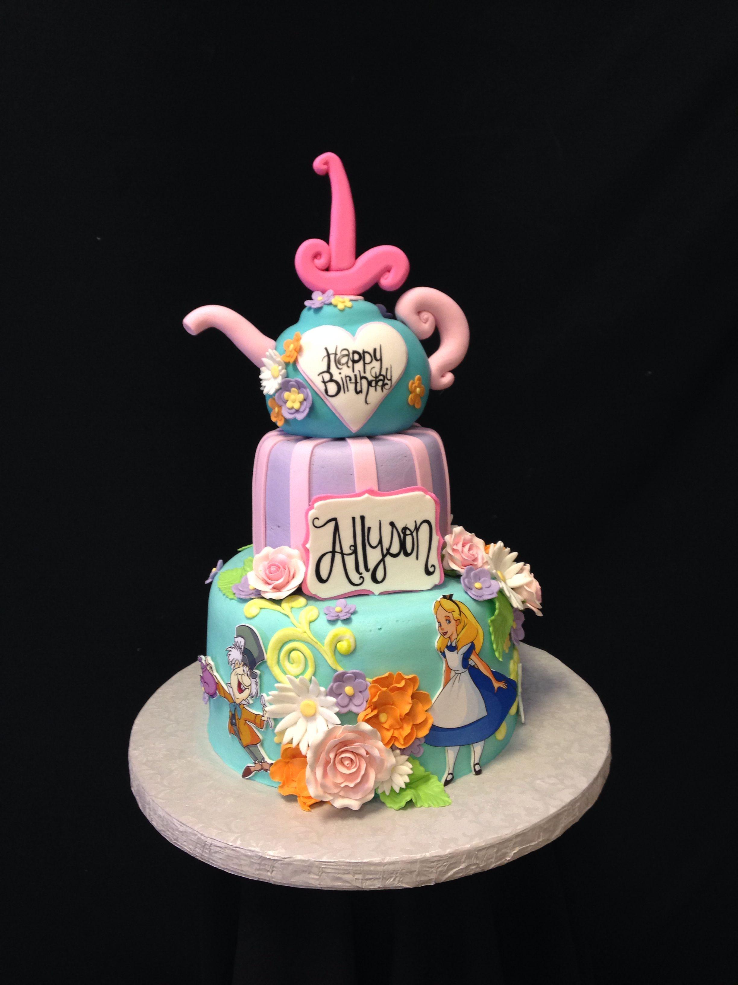 Royalty Cakes Chino California 1 Aliceinwonderland Disneyland