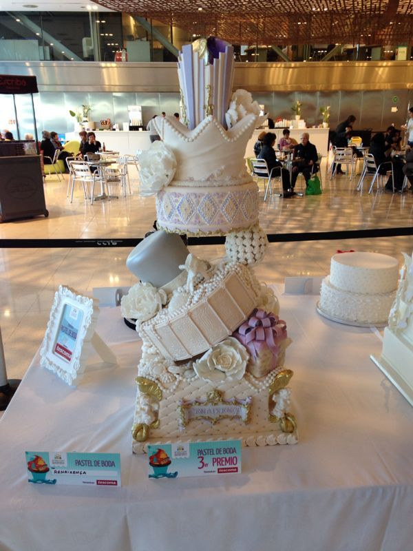 Groom's Cakes -