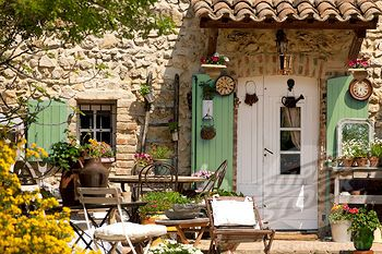 Courtyards of provence france courtyards pinterest for French provence style homes