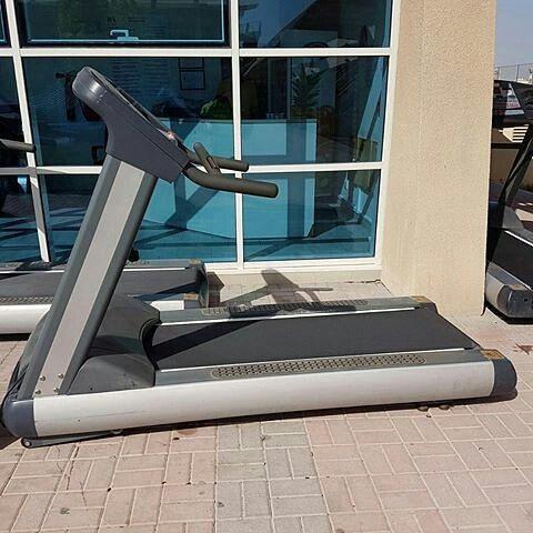 للبيع جهاز تريدميل قوته 5 حصان يصلح للاستخدام الثقيل الجهاز بحالة ممتازة السعر 400 دينار للتواصل 39595759 العدد Instagram Posts Gym Equipment Instagram