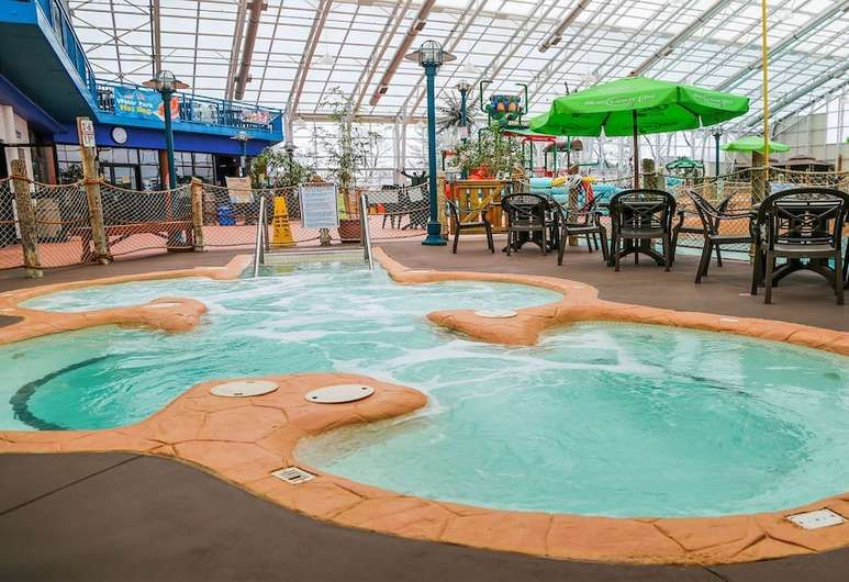 Americana Waterpark Resort And Spa Niagara Falls Water Park