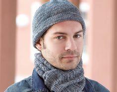 Hier findest du die Anleitung für ein Herren-Set, bestehend aus einer schlichten Herren-Mütze, einem passenden Schal und kuscheligen Socken.
