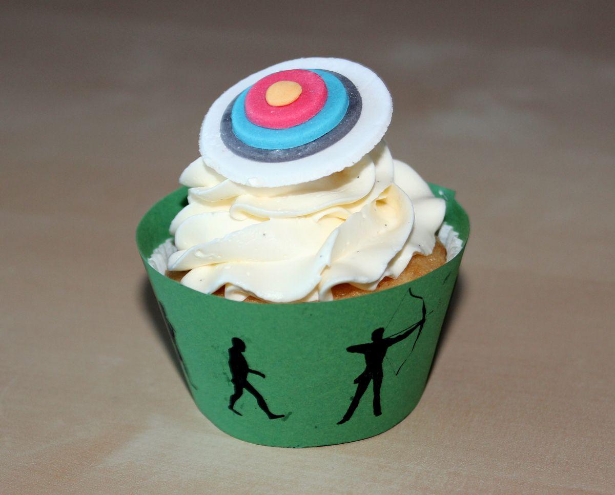 Vanilla Cupcake with Vanilla SMB - archery style