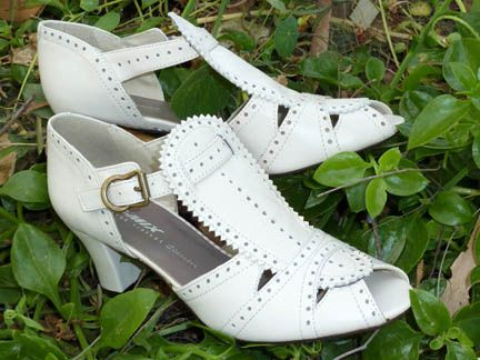Remix Vintage Shoes, Emily 20s/30s-Style T-Straps in Ivory