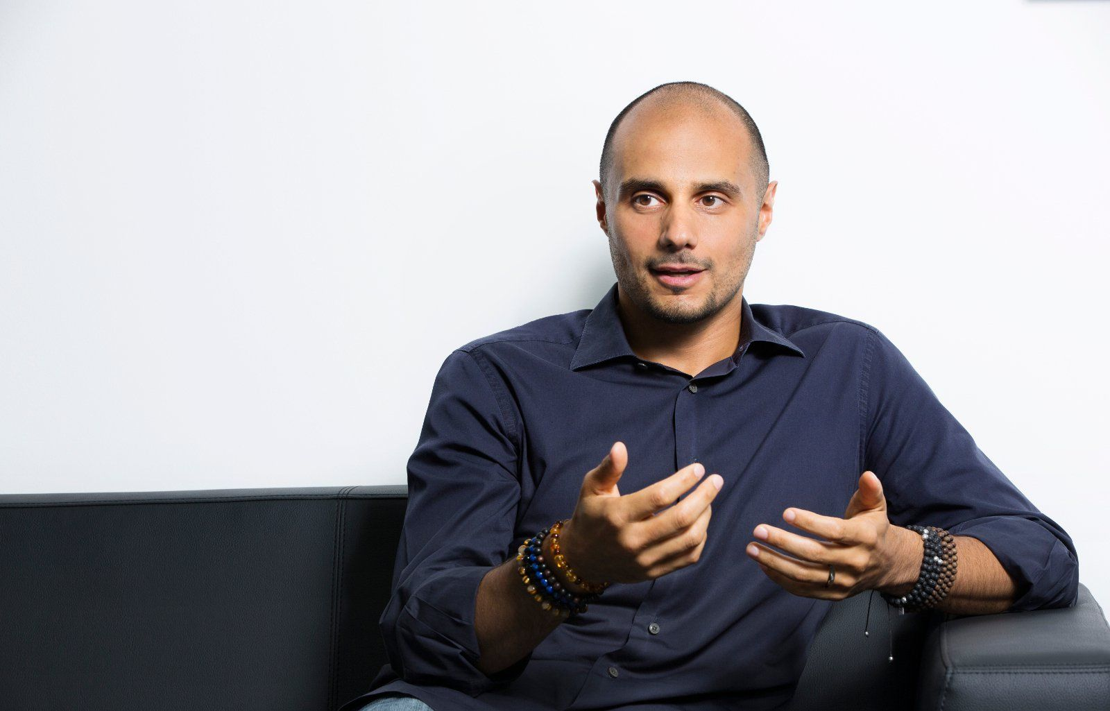 Despite his ordinary appearance, Pince Khaled bin Alwaleed is anything but ordinary. He is the son of the famously wealthy Alwaleed bin Talal bin Abdulaziz al Saud who has been affectionately called the Bill Gates of Saudi Arabia. He lived a lavish life as a youth until something changed him forever.