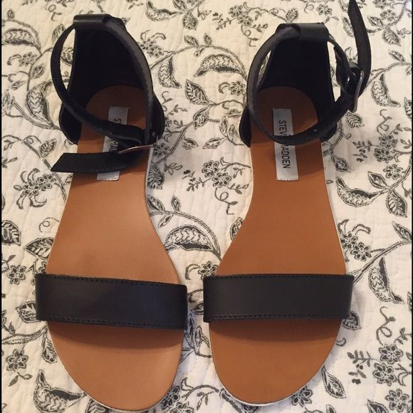 Steve Madden Waikiki Sandal, Size 7.5 Size 7.5, Black Waikiki leather sandal from Steve Madden. They are an ankle strap! They have a white bottom. Very comfortable sandle! They were worn less than a handful of times. I will clean what I can off the bottoms and will post an updated picture. Original box.  Steve Madden Shoes Sandals