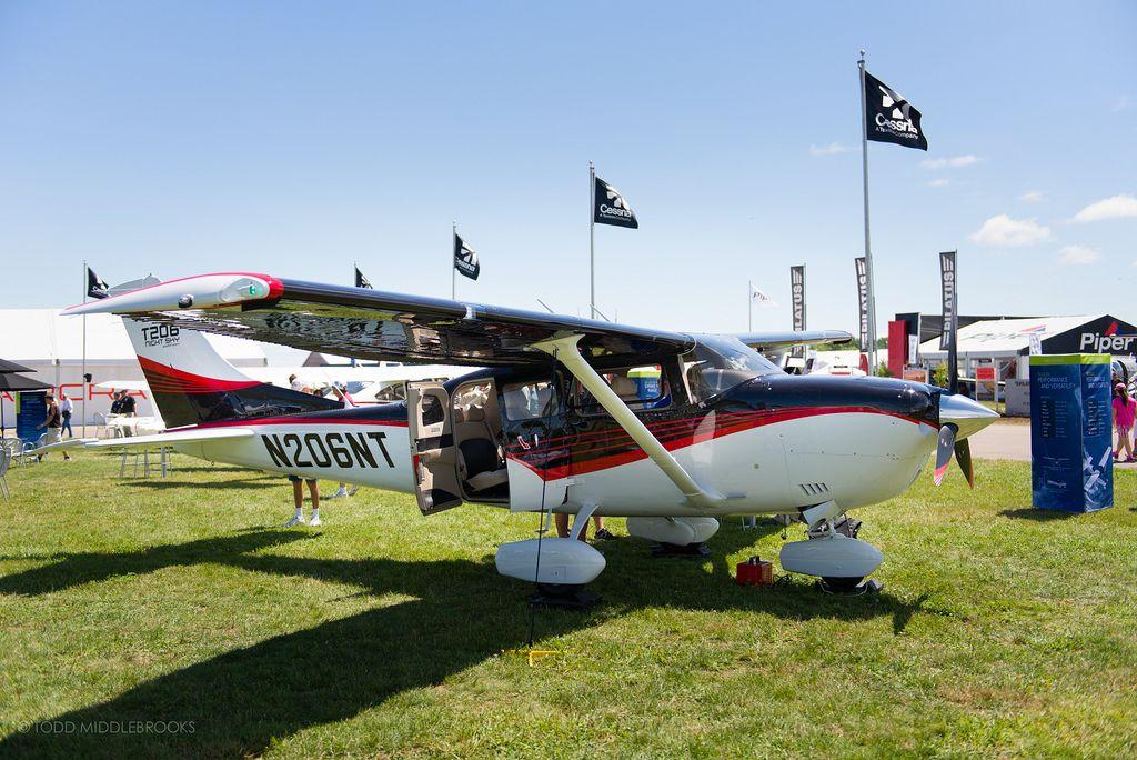 Cessna 206 | par toddmiddlebrooks